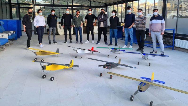 Öğrencilerin ürettiği uçaklar gökyüzüne yükseldi