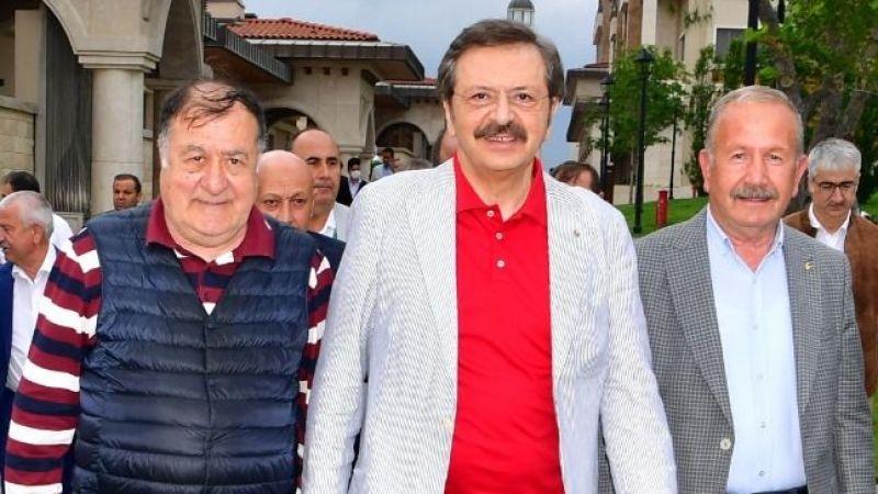 Salaş, Demokrasi Adası'nda istişare toplantısına katıldı