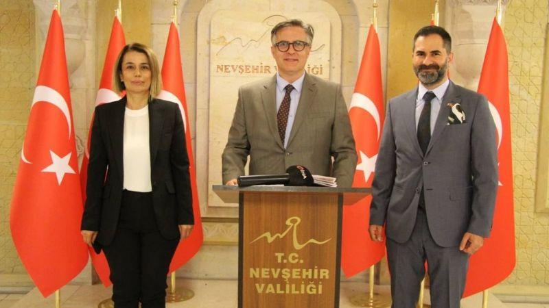 Romanya'nın Ankara Büyükelçisi Tinca Vali Becel ile görüştü