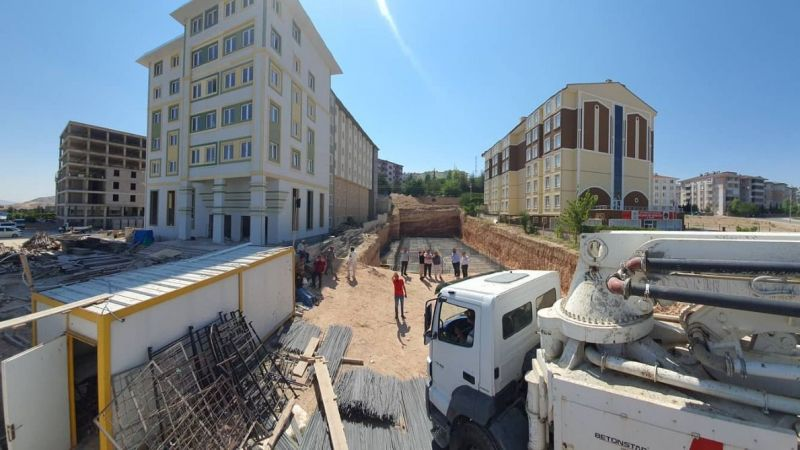 2000 Evlere yapılacak otelin temeli atıldı