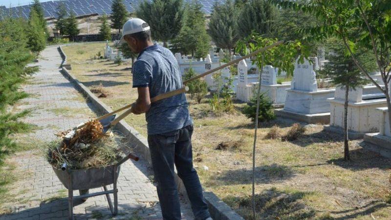 Gülşehir mezarlığında hazırlıklar tamam