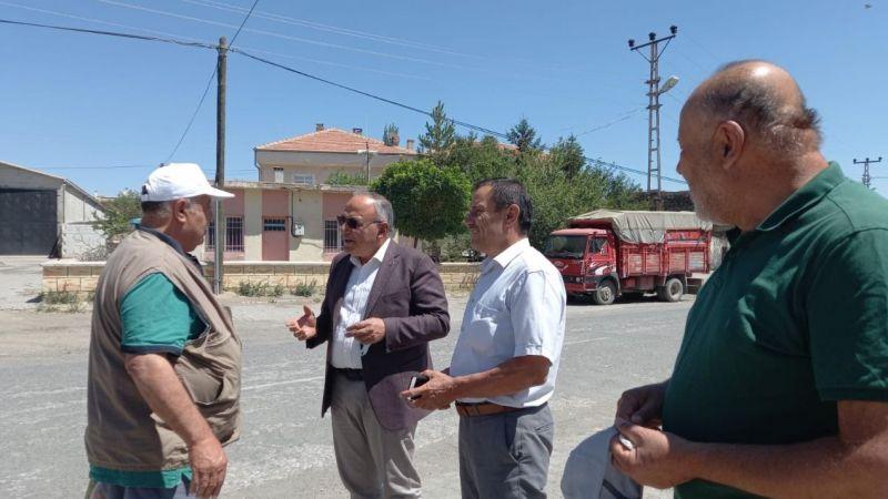 Başkan Aksoy köylüler ile kucaklaştı