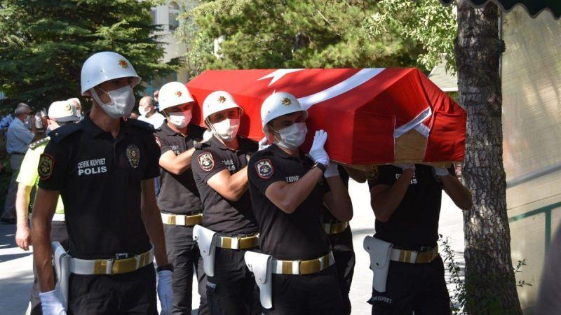 Şehit Turgut'un babası son yolculuğuna uğurlandı