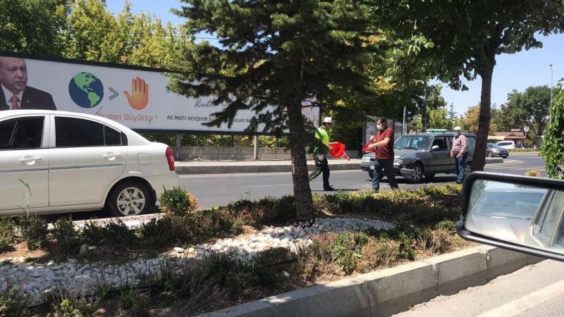 Eski adliye önünde 2 araç çarpıştı
