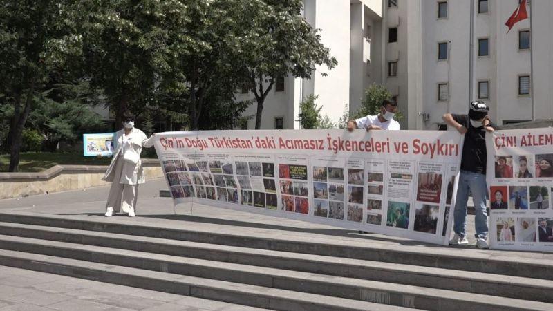 """""""Doğu Türkistan'daki soykırıma insanlık adına dur de"""""""