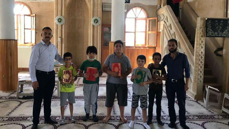 Gülşehirli Ülkücüler Kur'an Kurslarını ziyaret etti
