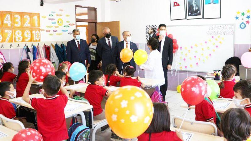 56 bin 491 öğrenci ders başı yaptı