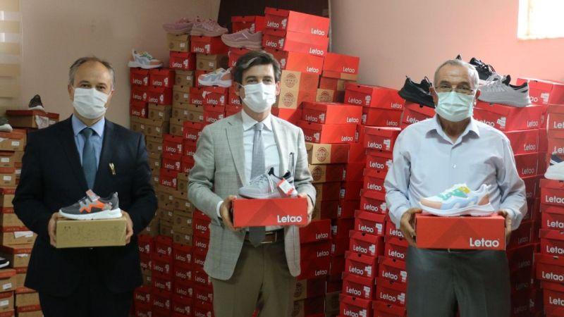 1000 çift ayakkabı ihtiyaç sahiplerine ulaştırıldı