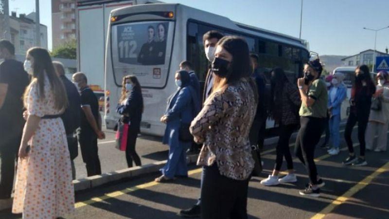 Otobüs arızalandı, vatandaş endişelendi