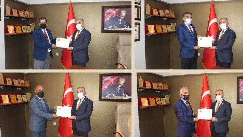 Komisyon üyelerine başarı belgesi verildi
