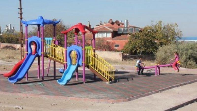 Parkta çocuklardan bileklik çalan şahıs yakalandı