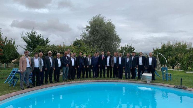 Hisarcıklıoğlu, Nevşehir'de oda ve borsa yöneticileriyle görüştü