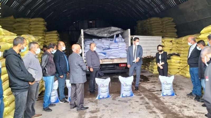 97 çiftçiye macar fiğ tohumu dağıtıldı