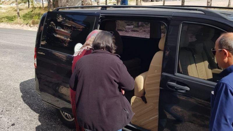 Fuhuşa teşvik eden kadın sınır dışı edildi