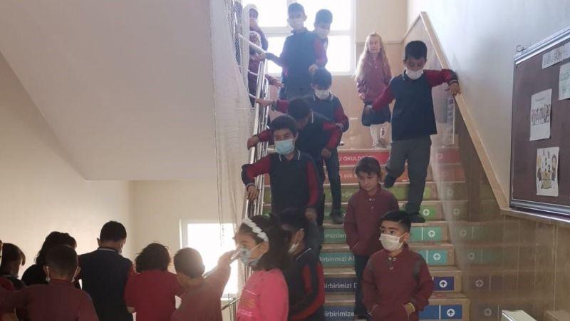 Topaç Köyü Şehit Bekir Şahin İlkokulu'nda tatbikat