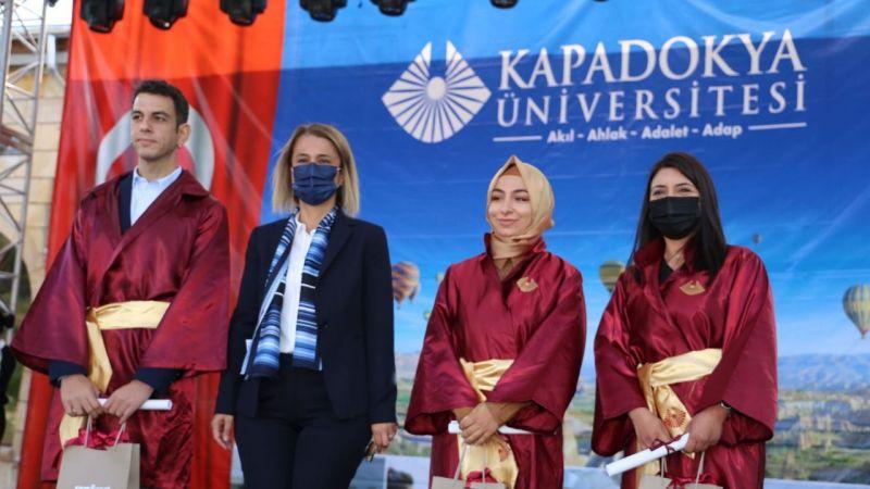 KMYO'da renkli diploma töreni