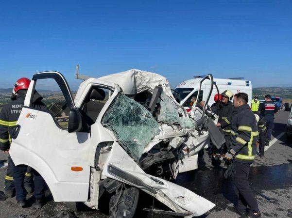 Kamyonet TIR'a arkadan çarptı: 1 ölü 1 yaralı