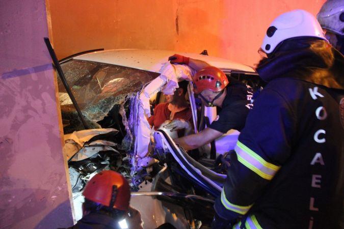 TEM'deki feci kazada ağır yaralanan kadın hayatını kaybetti