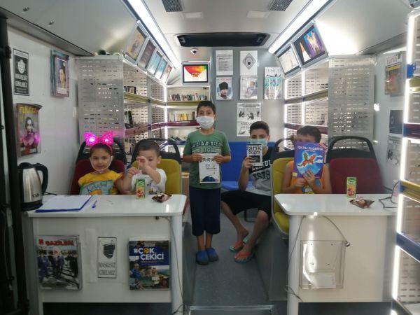 Gezici Kütüphaneyi çocuklar çok sevdi