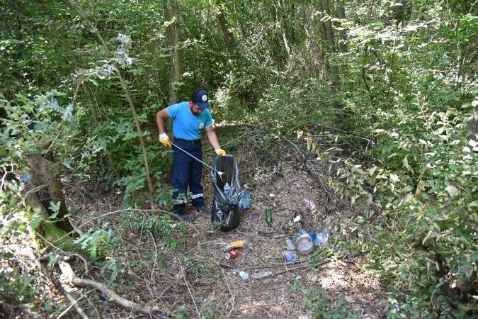 Polis ve belediye ekipleri ormanları temizliyor