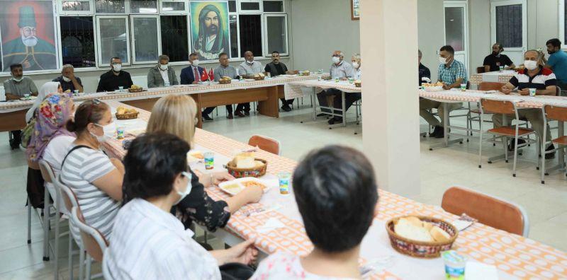 Başkan Büyükakın, canlarla buluştu, iftar yaptı