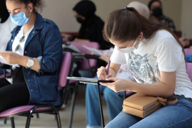 Öğrenci dostu belediyeden öğrencilere kurs desteği
