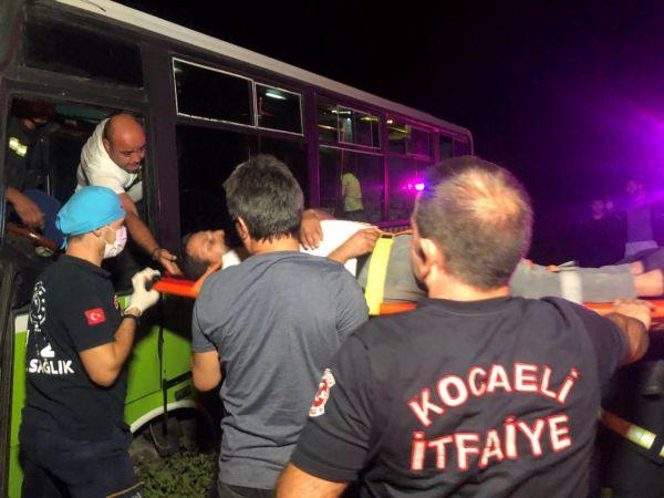 Yaralı şoför ambulanstan inmeye kalkıştı