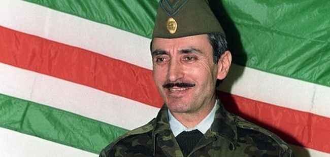 Efsane komutan Cahar Dudayev rahmetle anılıyor - Dış haberler