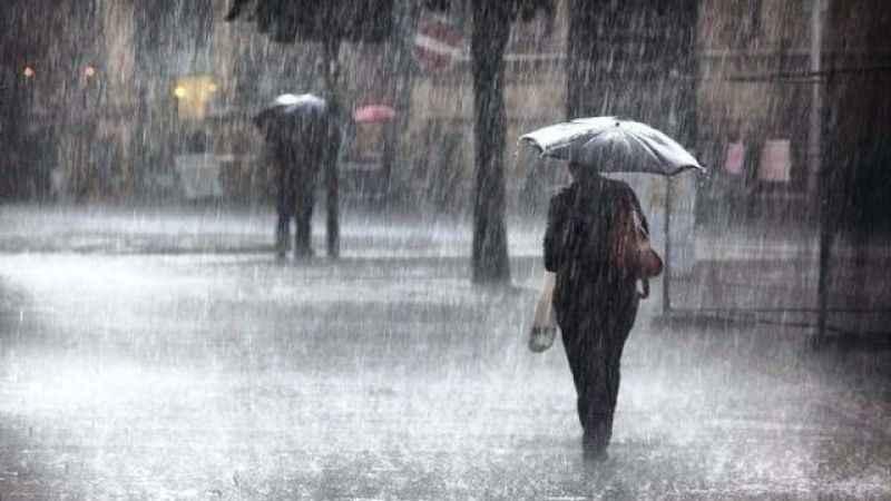 Meteoroloji saat verdi! İstanbul'a gök gürültülü sağanak uyarısı