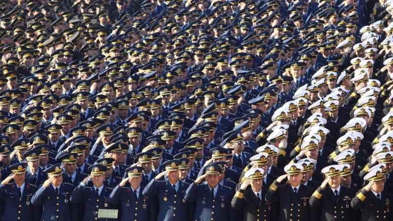 Askerlerin yargılanması konusunda yasal boşluk! AKP harekete geçiyor