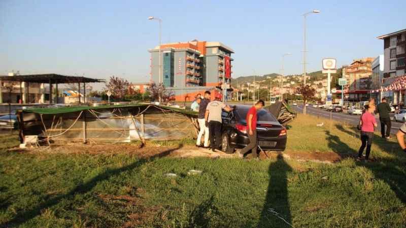 Zonguldak'ta iki otomobil çarpıştı: 3 yaralı