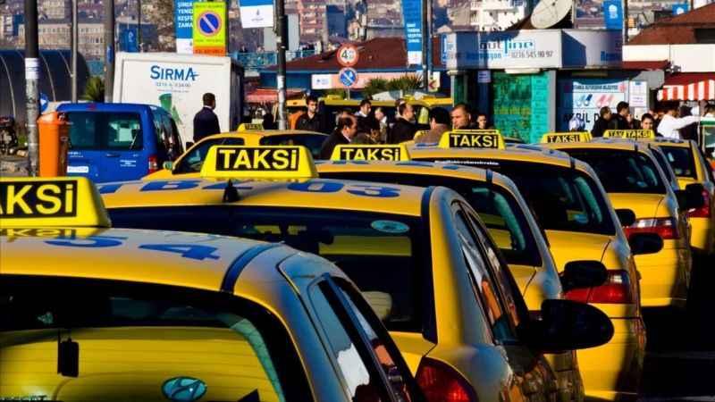 İstanbul merkezli 3 ilde ruhsatsız taksi durağı operasyonu!