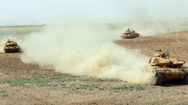 Türk ve Irak askerleri tozu dumana kattı