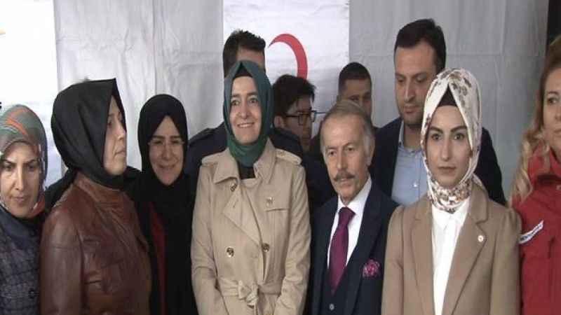 Bakan Kaya ve Başbakan Yıldırım'ın kızı Arakan için kurulan çadırı ziyaret etti