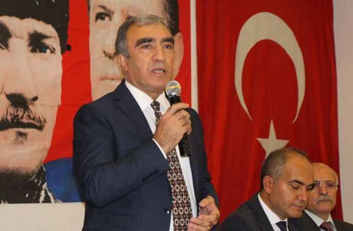 MHP'li Öztürk: Sizin mücadeleniz başkaları adına MHP'yi ele geçirmekti