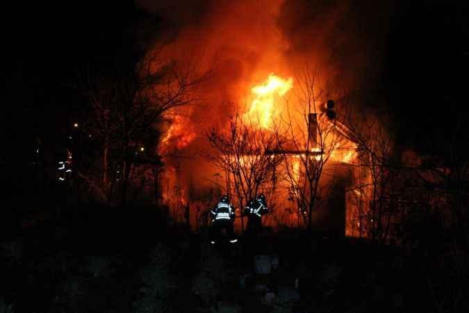 15 gün sonra döndüklerinde yanan evlerini gördüler