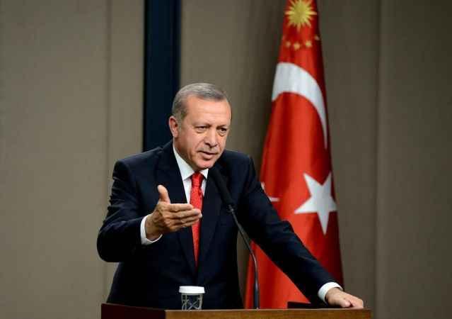 """Cumhurbaşkanı Erdoğan'a """"güncelleme"""" tepkisi: Haddinizi aşarak fikir beyan etmeyiniz"""