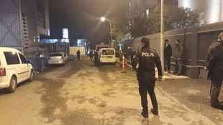 Üsküdar'da holding binası duvarında bomba düzeneği bulundu