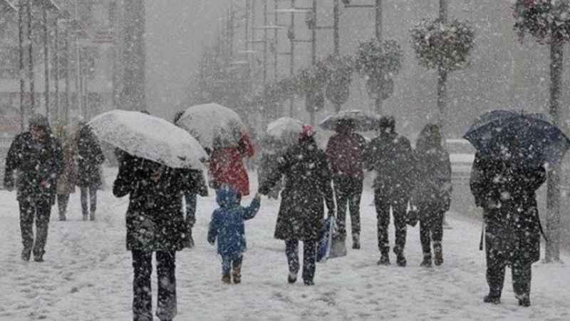 Meteorolojihava durumu: İstanbul'a kar uyarısı... Anadolu buz tuttu!