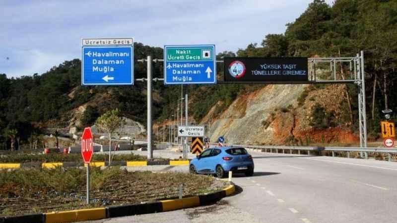 Tünel ücreti zamlanınca sürücüler eski yolu kullanıyor