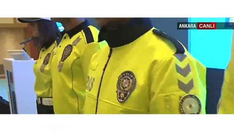 Trafik polislerin yeni ünforması tanıtıldı