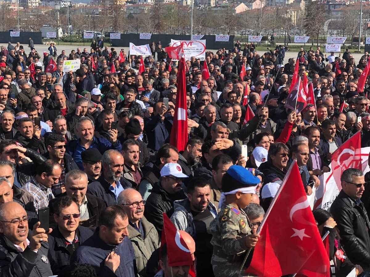 İstanbul'da EYT mitingi ile ilgili görsel sonucu