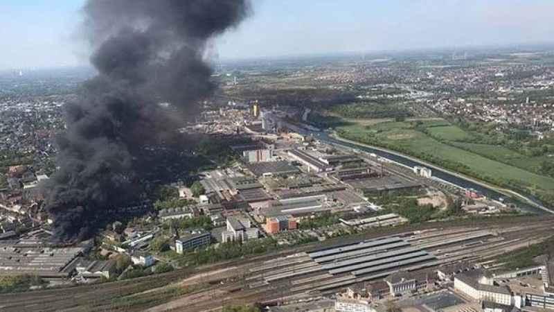 Türk işçilerin çalıştığı fabrikada büyük yangın