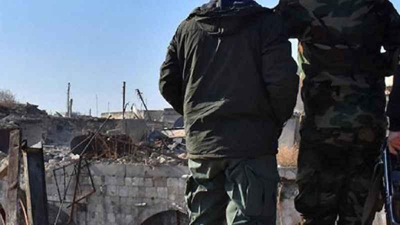 Rus savaş uçakları Suriye'de iki köye saldırdı