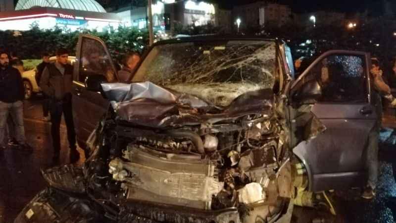 Son dakika: E-5'te 12 aracın karıştığı zincirleme trafik kazası