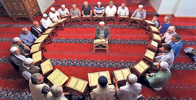 Mukabele etmek ne demek? Ramazan'ın en güzel geleneği: Mukabele
