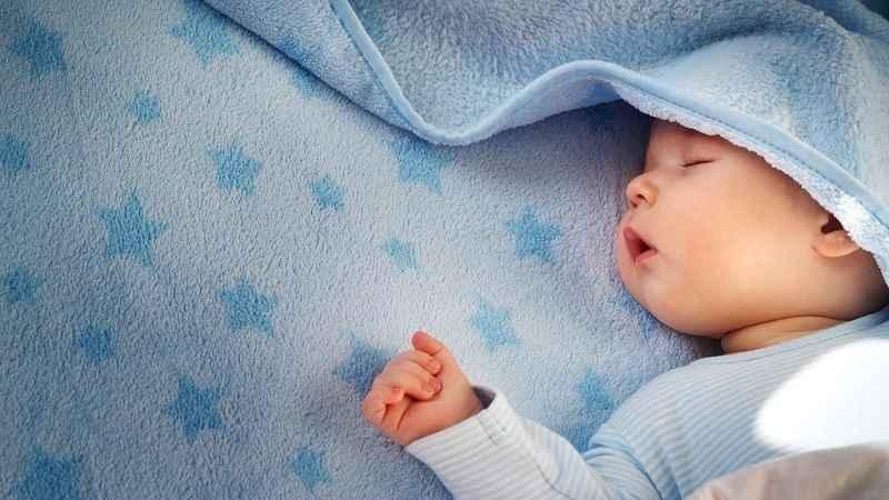 Bebek ne zaman ayrı odada yatmalı?