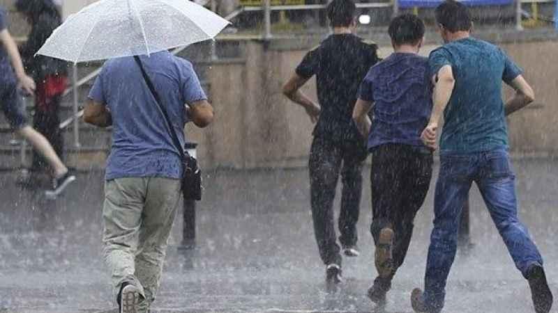 Meteoroloji'den kuvvetli yağış uyarısı; İstanbul için saat verildi
