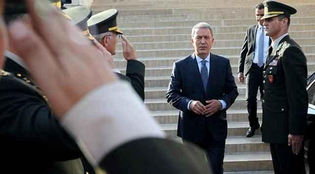 Hulusi Akar, Fransa Savunma Bakanı Parly ile görüştü