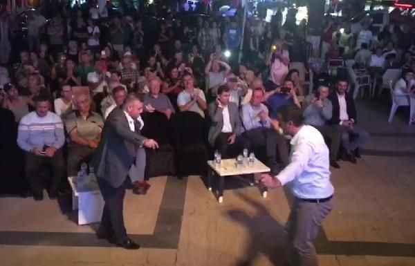 AKP'li ve CHP'li vekil karşılıklı oynadı